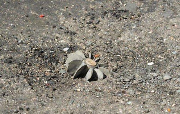 A woman killed, 11 injured in Deir Ezzor, Daraa