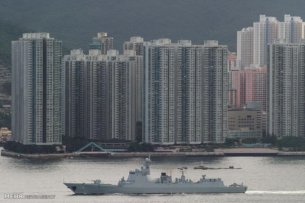 ناو هواپیمابر چین در هنگ کنگ
