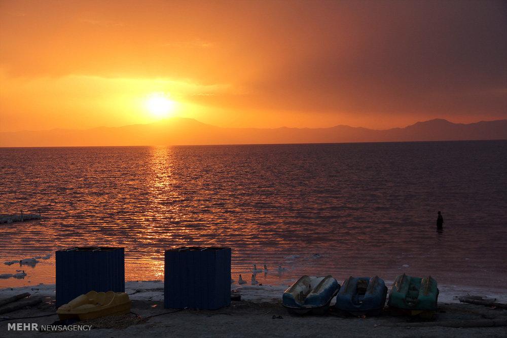 تغییر رنگ دومین دریاچه شور دنیا