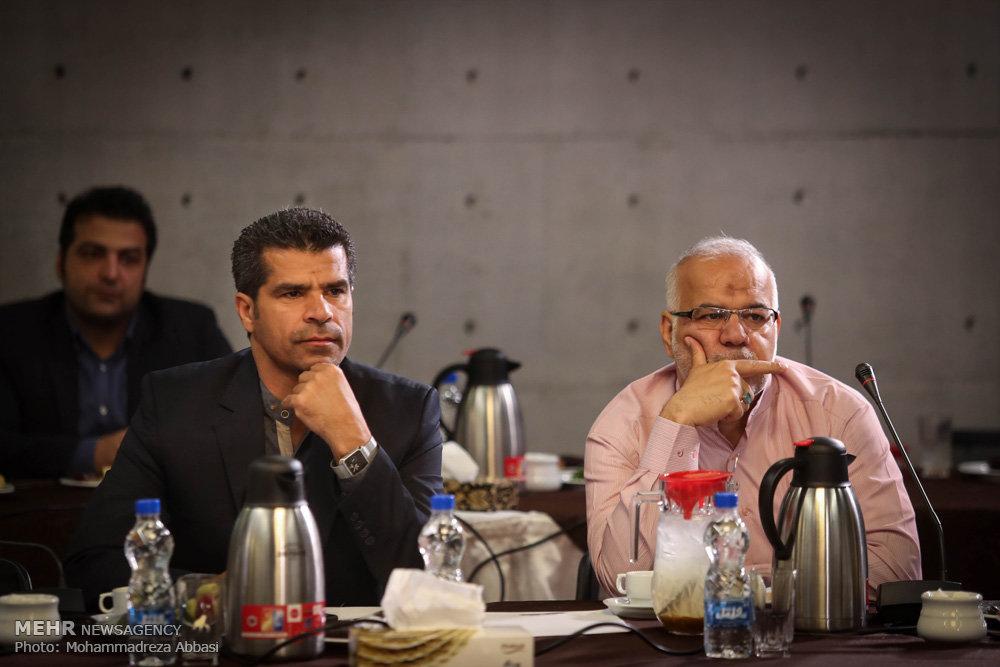 جلسه اعضای شورای شهر تهران در باغ کتاب