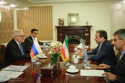 عقد جولة محادثات بين مساعدي وزير الخارجية الايراني والروسي / صور