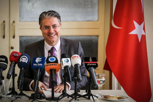 Turkish amb. holds presser in Tehran