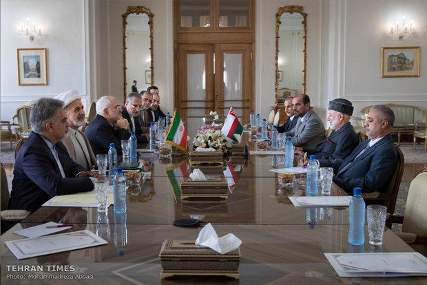Zarif receives Omani counterpart in Tehran