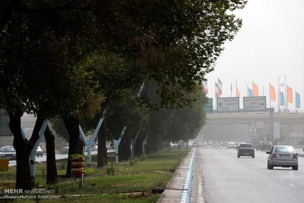مدينة كرمان تحت الغبار