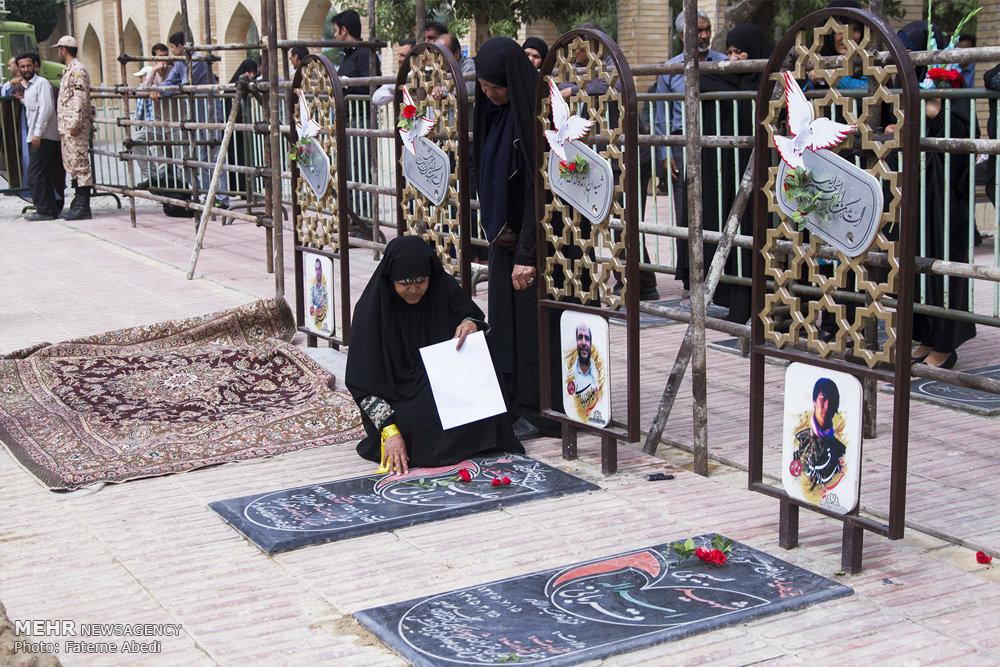تشییع پیکر سه شهید مدافع حرم در اراک