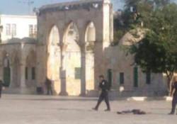 استشهاد 3 فلسطينيين باشتباكات مسلحة داخل المسجد الأقصى