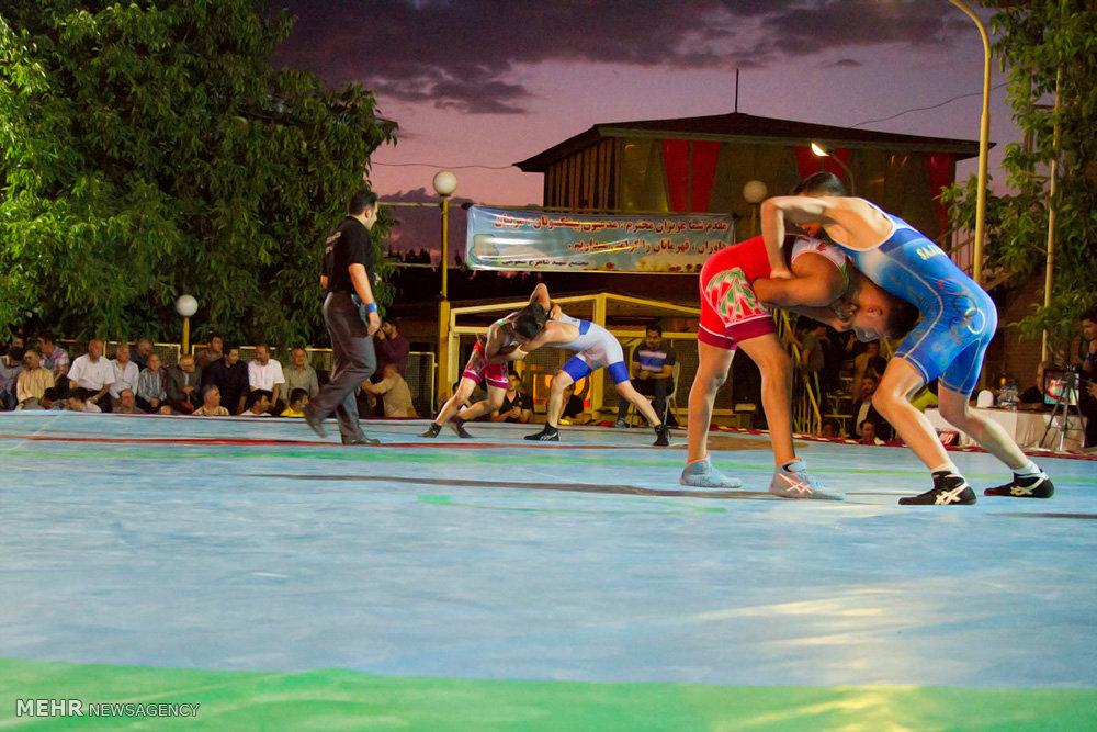 برگزاری مسابقات چند جانبه کشتی در سنندج