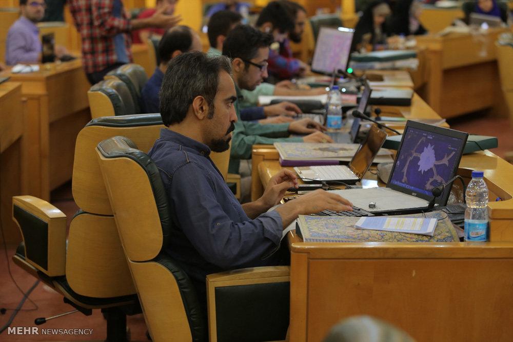 کارگاه کشوری تولید پوستر نقش بهشت در مشهد مقدس