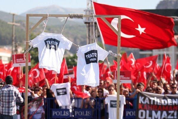 صحيفة بريطانية: تركيا تسير نحو الدكتاتورية