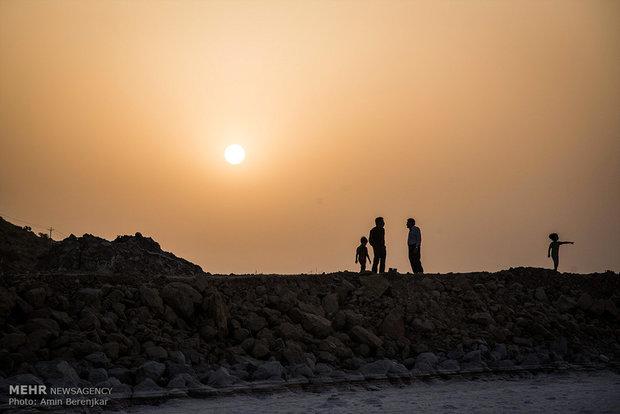 خشکی و تغیر رنگ دریاچه مهارلو استان فارس