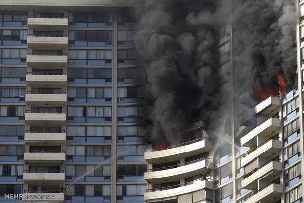 تصاویر/ آتش سوی در برجی در آمریکا