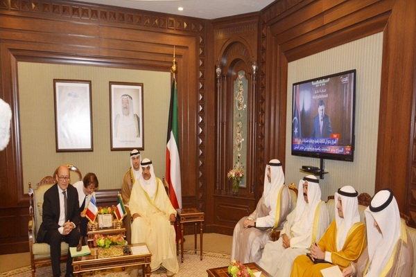 دیدار لودریان با مقامات کویتی
