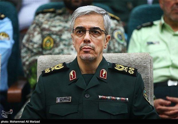 Army chief of staff visits quake-hit areas in Kermanshah