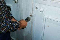 پلمب یک مرکز پزشکی غیرمجاز  در استان کرمانشاه