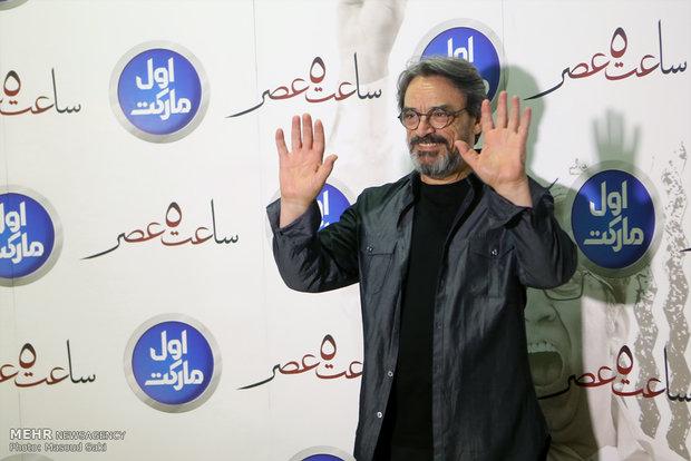 حضور حسین علیزاده، آهنگساز در مراسم اکران خصوصی فیلم سینمایی ساعت 5 عصر