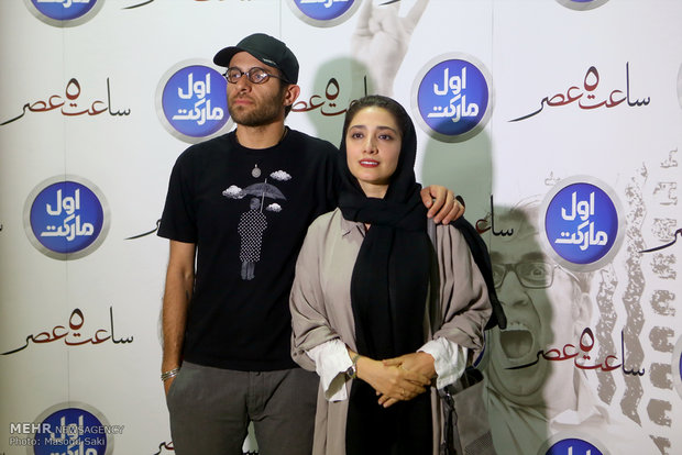 حضور بابک حمیدیان و مینا ساداتی، بازیگر در مراسم اکران خصوصی فیلم سینمایی ساعت 5 عصر