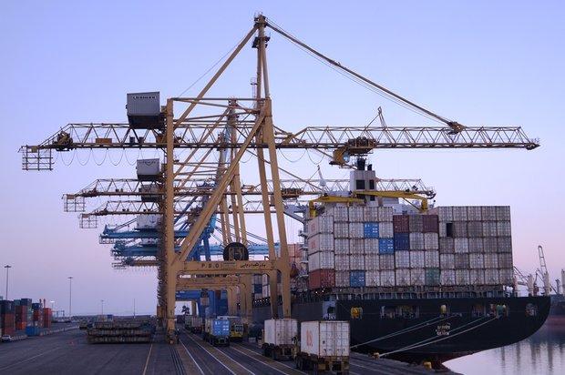 ۱۰۰ درصد کالاهای وارداتی از گمرک کنترل میشود