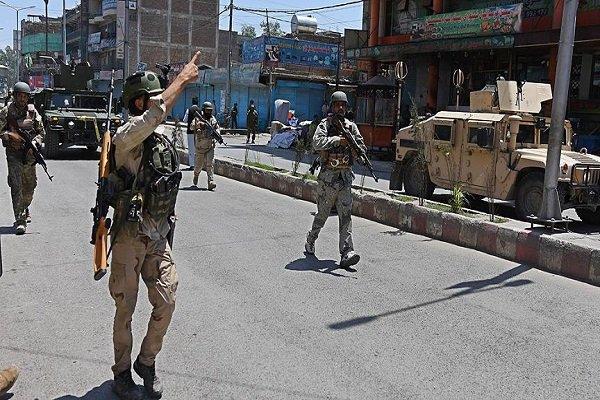 کشته شدن ۱۰ نظامی افغانستانی در حمله طالبان به هلمند