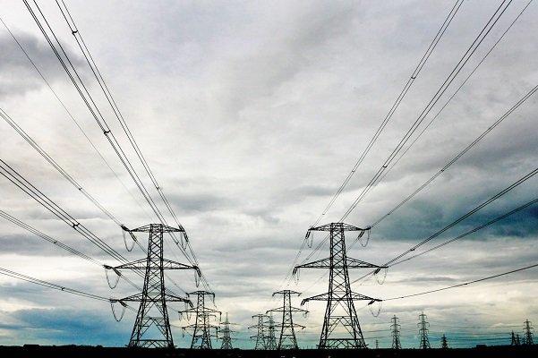 در گفتگو با مهر مطرح شد؛ تنوع تعرفههای برق اصلاح شود/ مشکل نقل و انتقال بانکی حل نشد