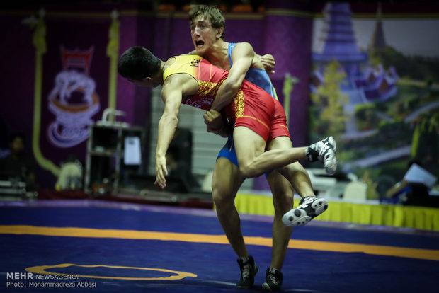 إيران تحرز ميداليتين ذهبيتين في بطولة العالم للمصارعة الرومانية