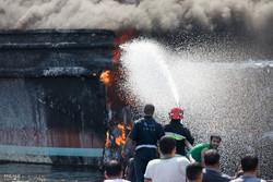دو نفر بر اثر آتشسوزی شناور در آبهای عسلویه جان باختند