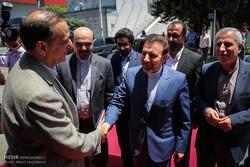 بازدید محمود واعظی وزیر ارتباطات از نمایشگاه الکامپ