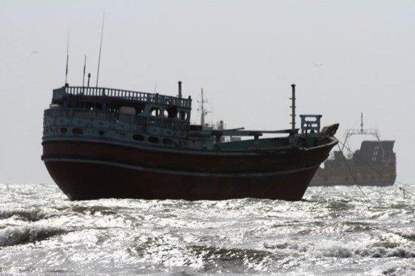نجات جان ۷ صیاد در آبهای دریای عمان
