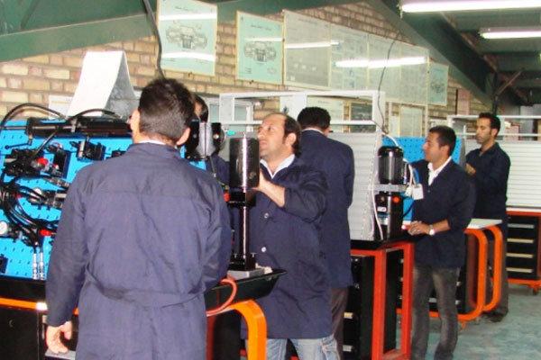 طلاب بوشهری در حرفههای فنی مهارت افزایی میشوند