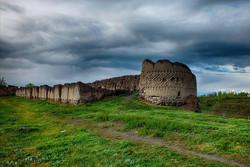 مرمت اضطراری «کهنه قلعه» در مشگین شهر اجرا میشود