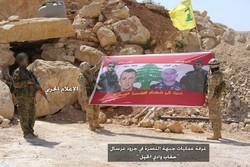 """200 ارهابي من جبهة """"النصرة"""" يغادرون عرسال بلا قتال"""