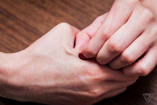 کاشت تراشه در بدن جایگزین کارت شناسایی می شود