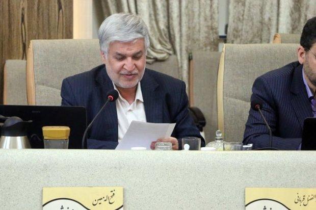 استعفای نمایندگان اصفهان در حمایت از کشاورزان ستودنی است