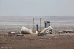 افتتاح پایگاه ملی فضایی امام خمینی (ره) با پرتاب ماهواره بر سیمرغ