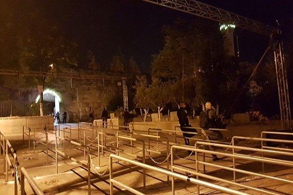 الكيان الصهيوني يزيل الحواجز والممرات الحديدية من باب الأسباط
