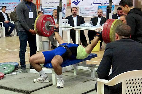 مسابقات قهرمانی پرس سینه باشگاه های استان مرکزی در اراک برگزار شد