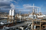 """ايران والصين توقعان مذكرة لانشاء مدينة للصناعات البتروكيمياوية في ميناء""""جابهار"""""""