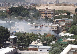 الخارجية العراقية: موظفان يخوضان حاليا معركة بطولية داخل مقر السفارة في كابول