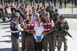 ۱۱۰ نظامی ترکیه به ظن ارتباط با کودتای ۲۰۱۶ بازداشت شدند