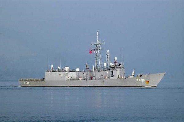 قطع بحرية قطرية وتركية تستعرض قدراتها في الخليج الفارسي
