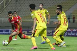 مسئولان نفت فوتبال ایران را به تمسخر گرفتهاند/ شهامت ندارید بروید!