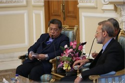 Larijani discuss bilateral ties, regional issues with intl. officials