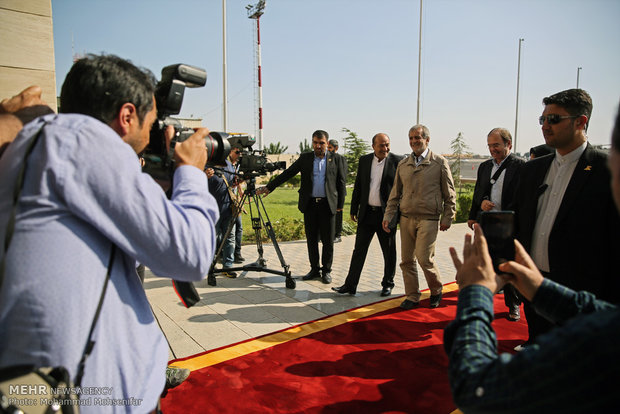 Guests of inauguration ceremony welcomed at Mehrabad airport