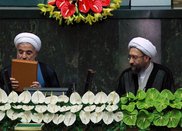 الرئيس روحاني يؤدي اليمين الدستورية بعد ساعات بحضور زعماء دوليين واقليميين