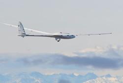 گلایدر بدون موتور ایرباس در ارتفاع ۹۹۰۰ متری پرواز کرد