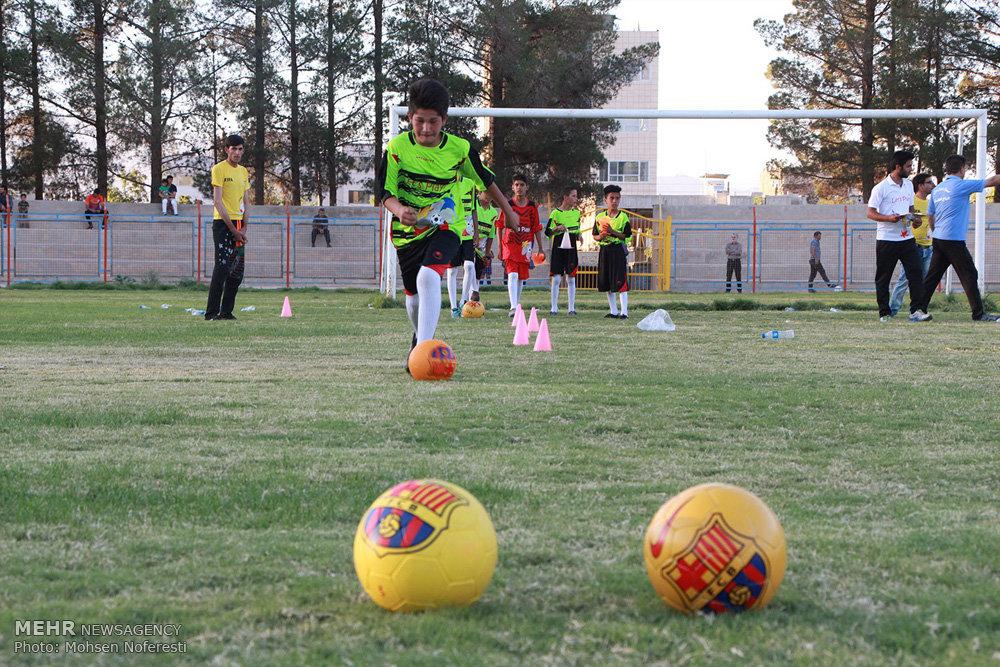 فستیوال فوتبال پسران نونهال اتباع افغانستانی در خراسان جنوبی