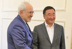 ظريف يبحث مع المبعوث الخاص لرئيس منغوليا سبل تعزيز التعاون المشترك