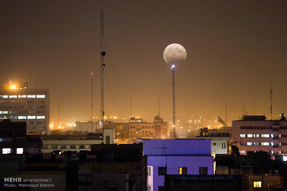 ماه گرفتگی در ایران