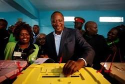 رئیس جمهور کنیا از رقیب خود پیشی گرفت