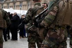 إصابة جنود فرنسيين بحادث دهس في باريس