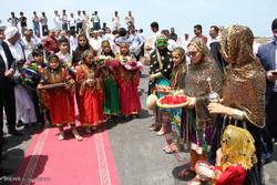 امکان سنجی حضور دانش آموزان جاسکی با لباس سنتی در کلاس های درس